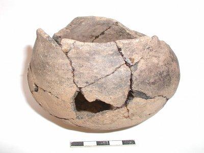 CAROM01/002: Neolítico Medio. Cuenco. Mámoa de Monte de A Romea (Silleda, Pontevedra)