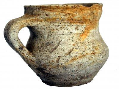 CAFS020: Plena Edad Media. Jarra  tipo vaso. Basílica de Augas Santas (Allariz, Ourense)
