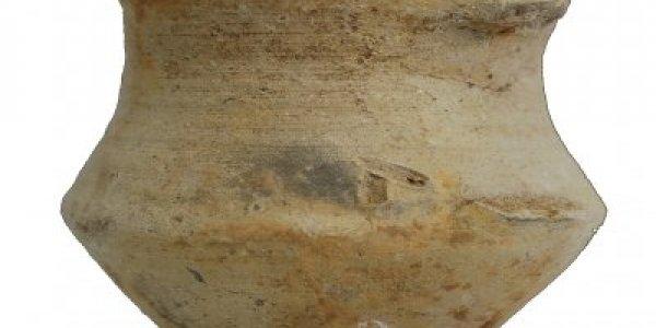 CAFS007: Plena Edad Media. Jarra trilobulada. Basílica de Augas Santas (Allariz, Ourense)