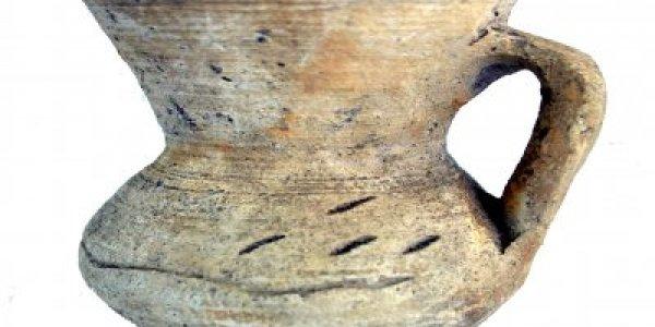 CAFS017: Plena Edad Media. Jarra de cuello troncocónico. Basílica de Augas Santas (Allariz, Ourense)