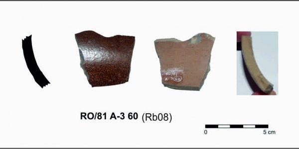 RO/81 A-3 60 (RB08): Epoca Moderna (mediados del s. XVII). Gres Inglés. Asentamiento de Rocha Branca (Padrón, A Coruña)